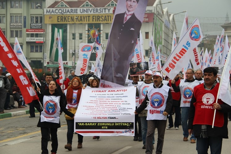 LAİK EĞİTİM VE EMEĞE SAYGI YÜRÜYÜŞÜ BURSA'DA